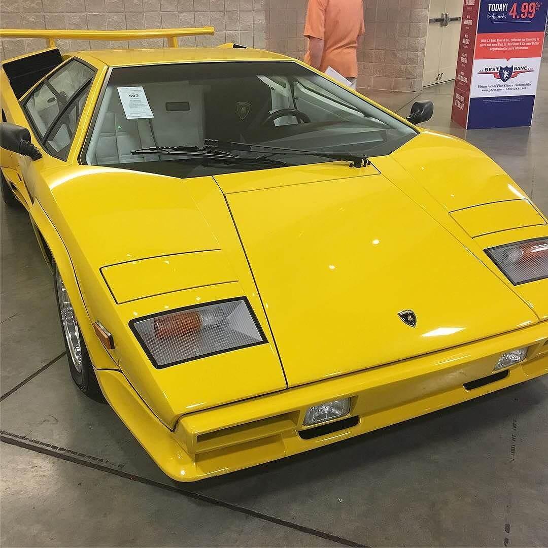Lamborghini Coon Taj (iPhone autocorrect)